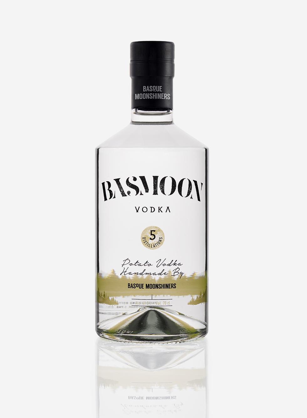 Basmoon-Vodka-botella