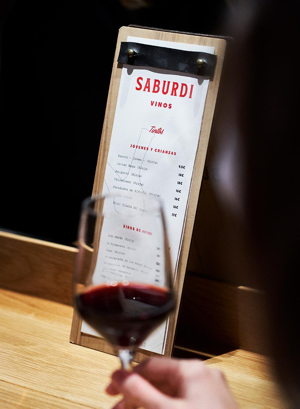 saburdi-diseño-carta-vino-1