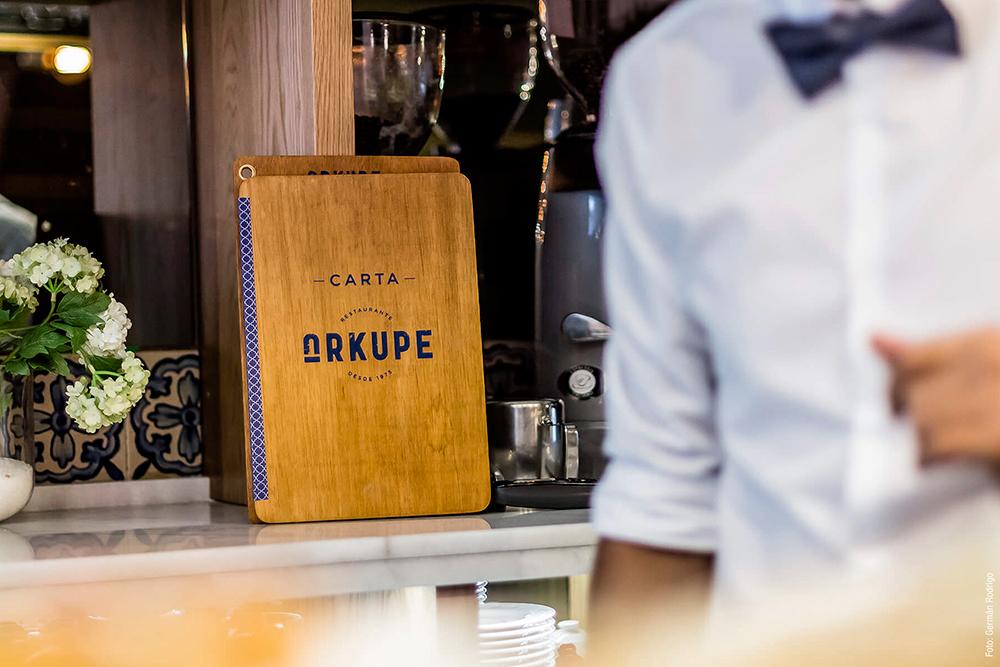 Diseño de identidad y cartas para Restaurante Arkupe