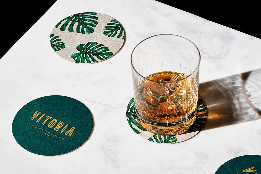 diseño de identidad visual para Restaurante & Café Vitoria