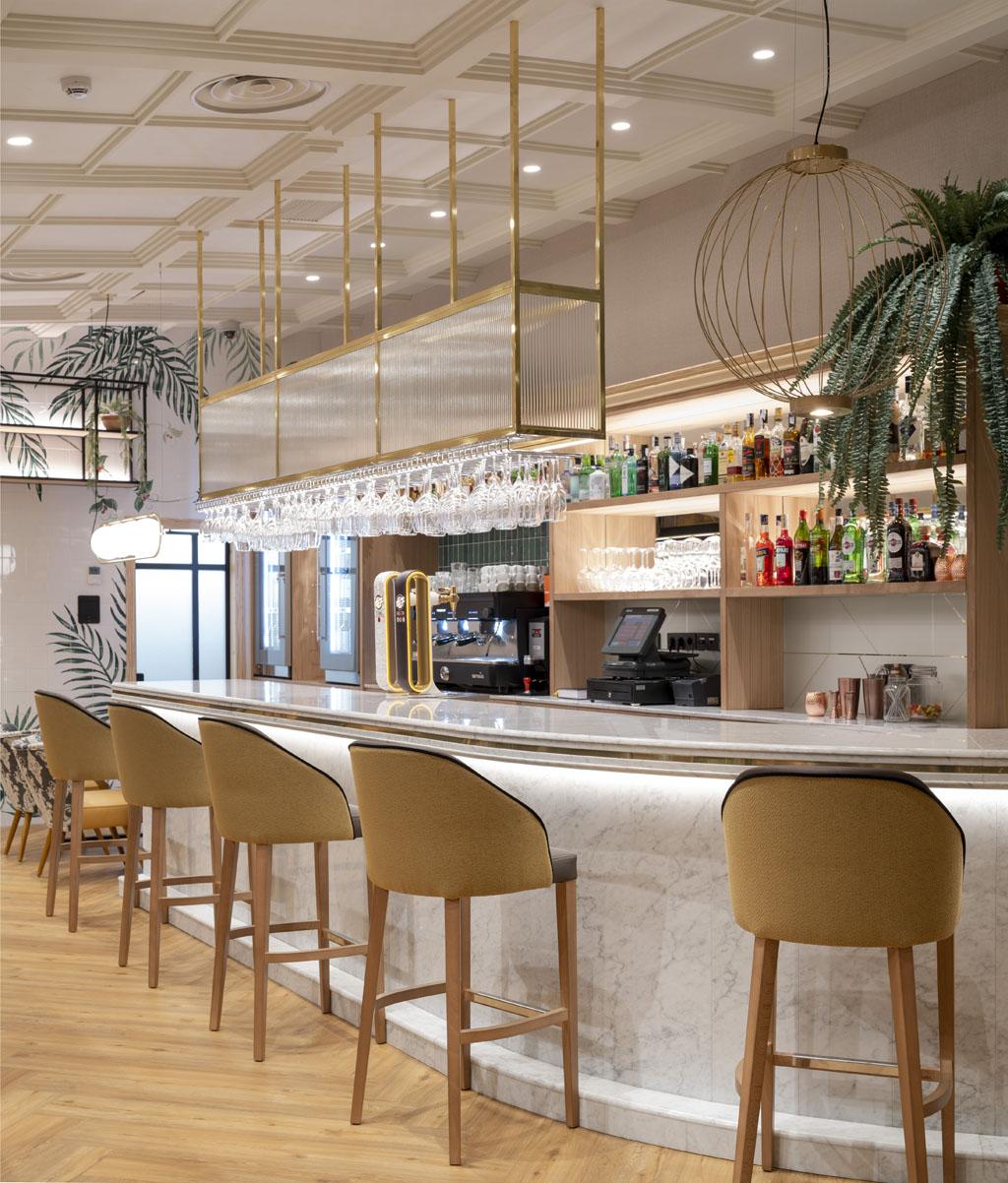 restaurante-vitoria-interiorismo-barra